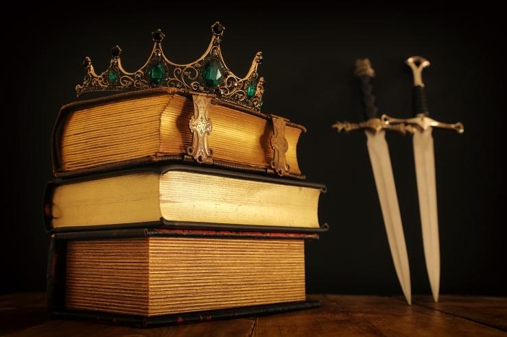Books, crown, daggers. ID 165793452 © Tomert | Dreamstime.com