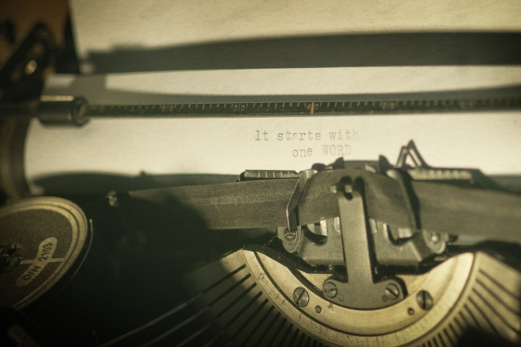 Typewriter. Free photo 83058001 © creativecommonsstockphotos - Dreamstime.com